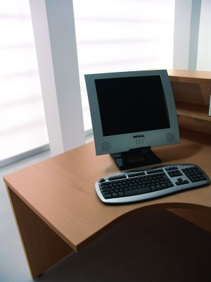Corner Desk With Straight Panel Sides (1)