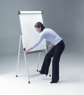Conference Pro Flipchart Easle With Easy Height Adjustment And Footrest