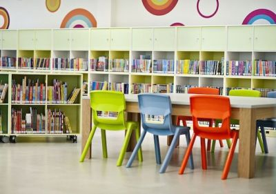 Postura Chairs At Desk