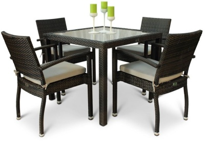 Orion Four Person Armchair Dining Top With A Square Table And A Glass Topo